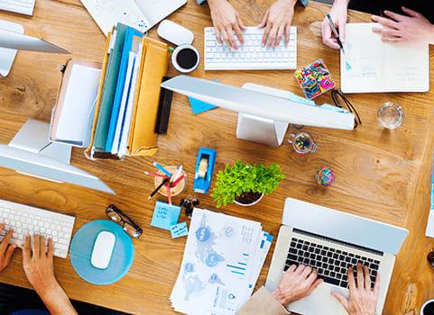 bureau travail collaboration projet