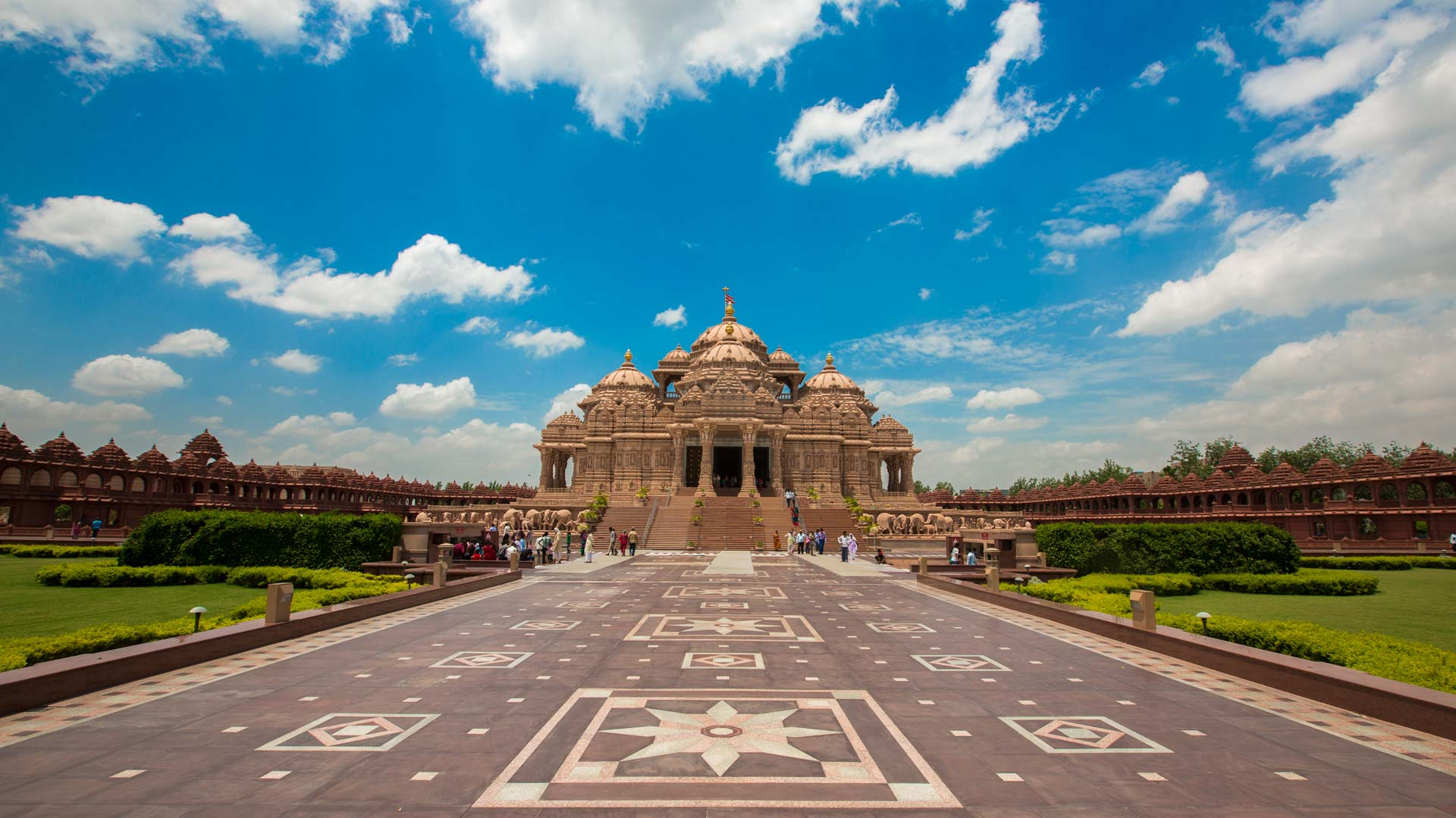 Half Day Tour of Temples in Delhi including hotel pick up and drop off