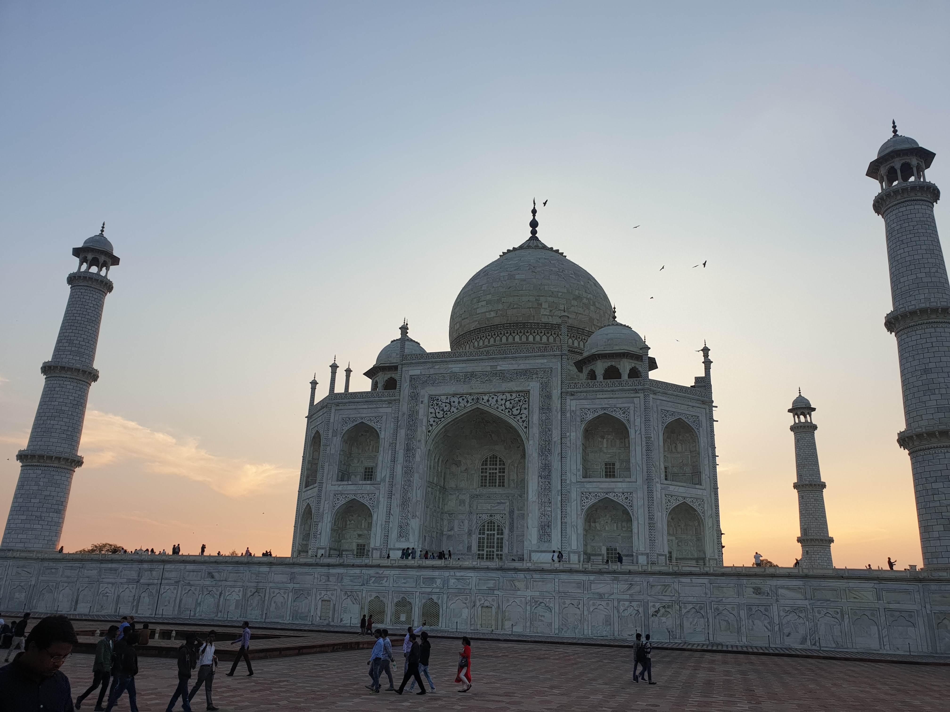 From Delhi: Private Taj Mahal Sunrise & Sunset 2-Day Tour