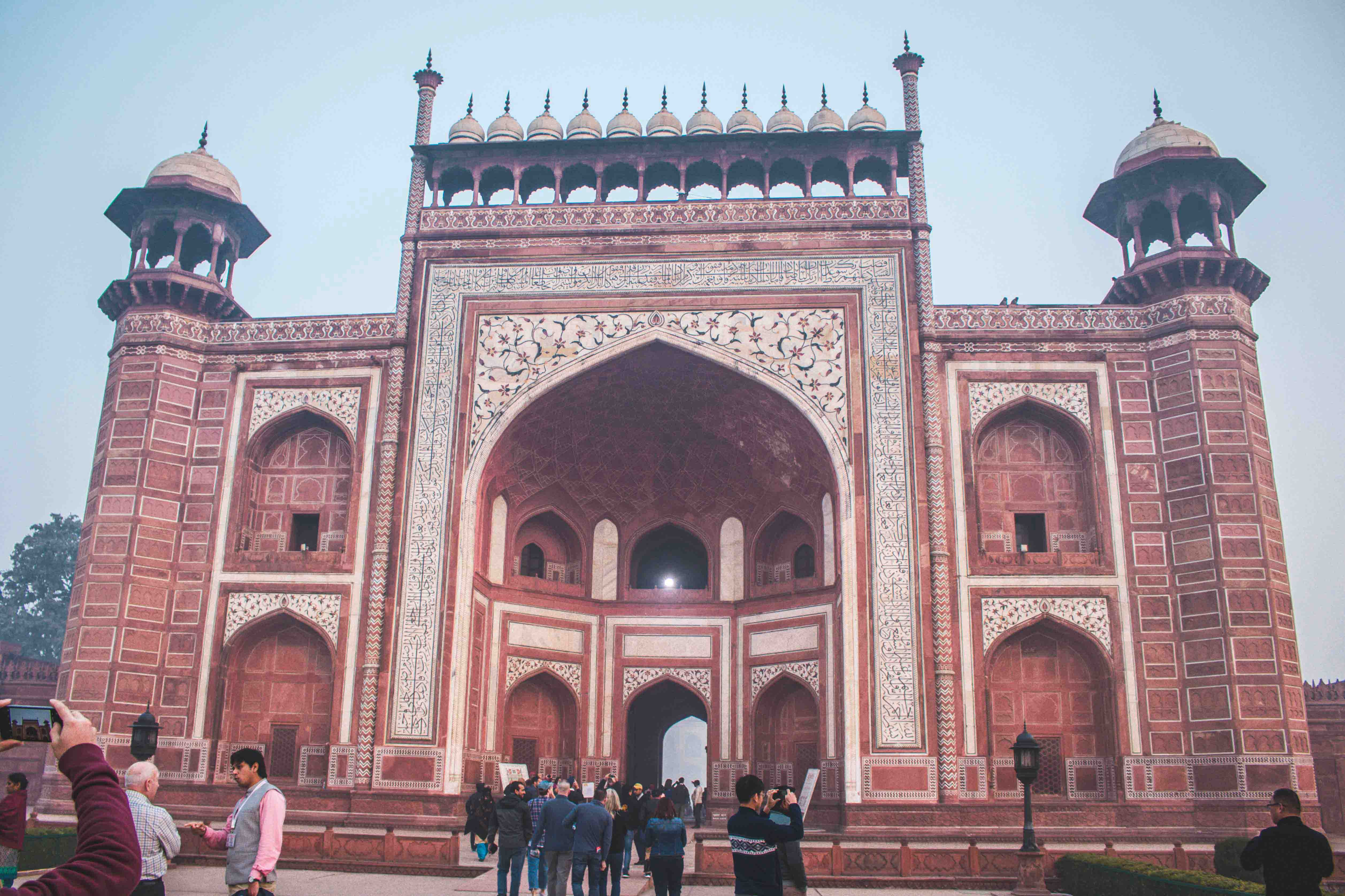 Half Day Tour of Taj Mahal and Agra Fort with Transfers