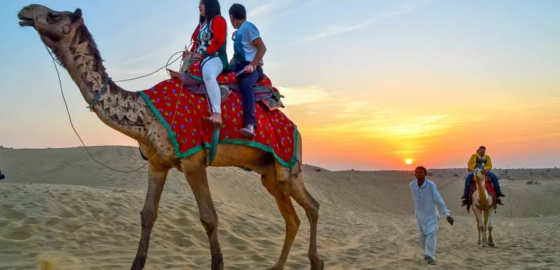 From Jaisalmer: Evening Tour of Desert with Camel Safari with a trip to haunted village of Kuldhara