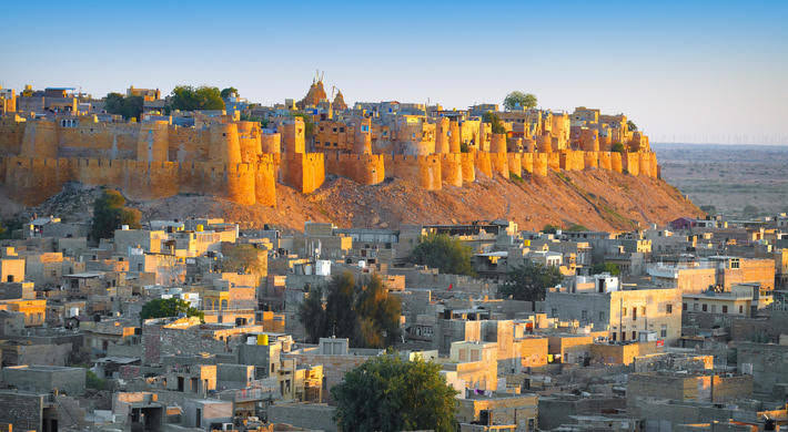 From Jaisalmer: Fort and Desert Safari with a Camel Ride