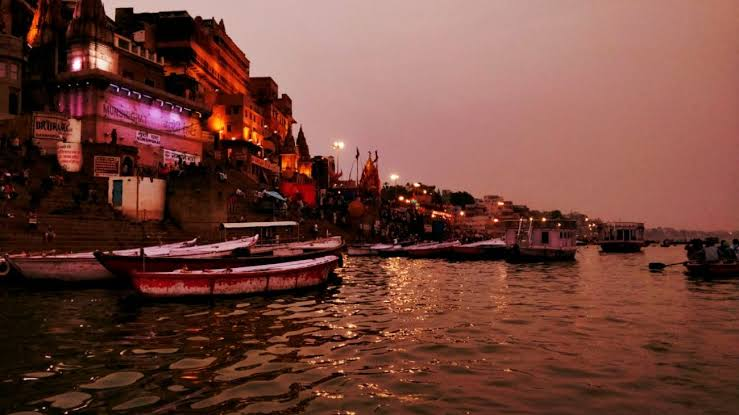 Varanasi: Evening Tour with Boat ride, Ganga aarti, Heritage walk and Classical Dance show