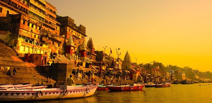 Afternoon tour of Varanasi with Boat ride over Ganges & Dinner on a tuk-tuk