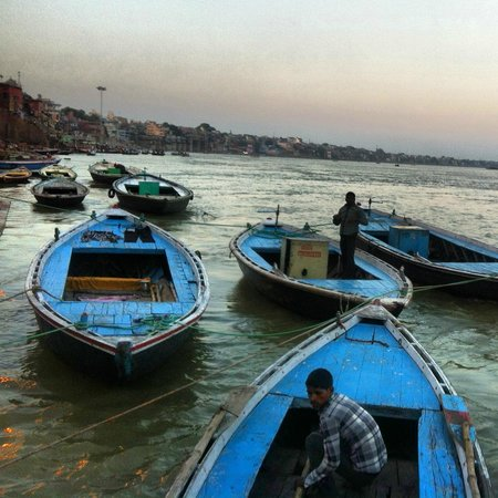 From Varanasi: Morning tour with Boat ride, Ganga aarti, classical dance and Yoga session
