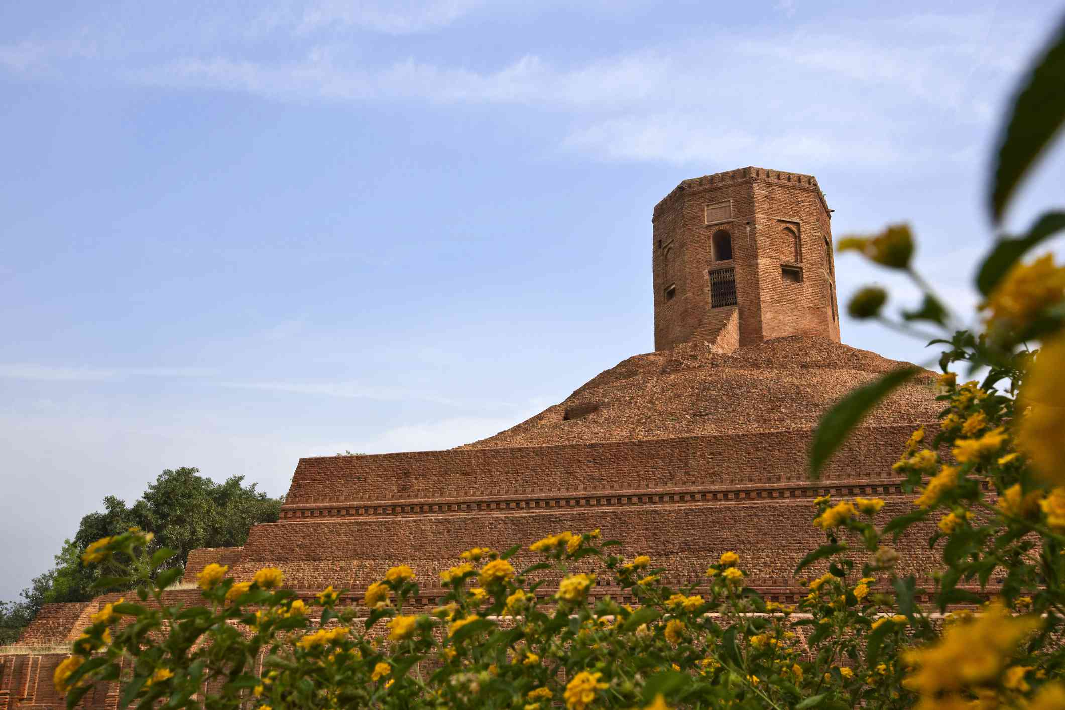 All Inclusive 3-hour tour of Sarnath from Varanasi with Hotel Pick-up and drop-off