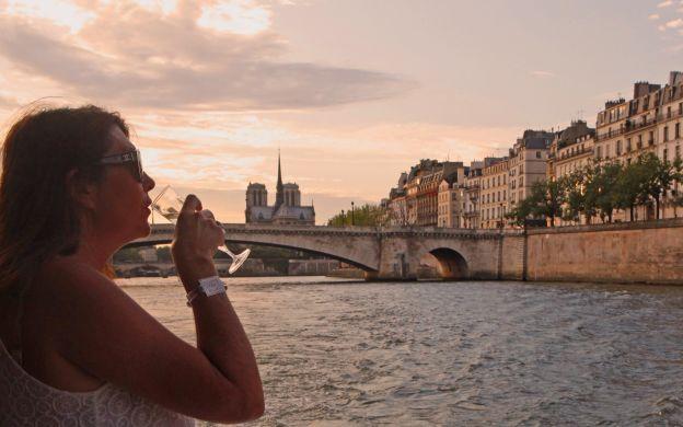 Seine River Aperitif Cruise - Vedettes de Paris