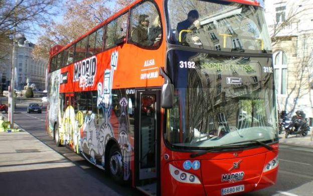 Madrid City Tour Hop-On, Hop-Off & Skip-the-Line Santiago Bernabéu Stadium Ticket