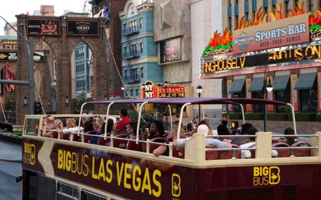 Las Vegas Platinum Shopping & Sightseeing Experience:  Hop On Hop Off + Shopping Vouchers
