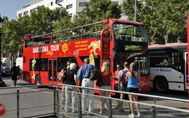 City Tour Barcelona: Hop-on, Hop-off Bus with FC Barcelona Museum Open-Dated Ticket