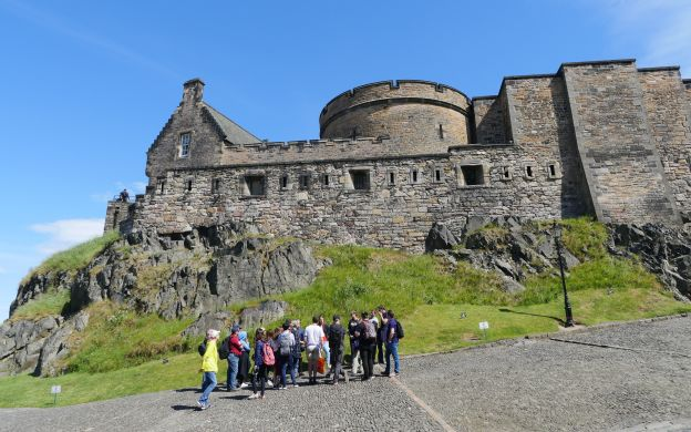 City Sightseeing Edinburgh: Hop-On, Hop-Off Bus with Edinburgh Castle Skip-The-Line Access and Guided Tour