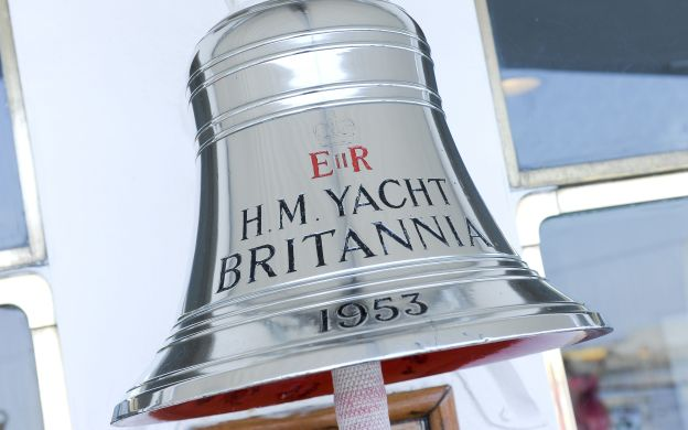 City Sightseeing Edinburgh: Hop-On, Hop-Off Bus Tour with Royal Yacht Britannia Ticket