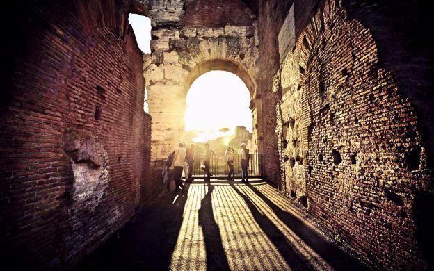 Colosseum & Catacombs: Guided Tour, Roman Forum & Lunch