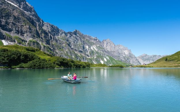 2 Day Mt.Titlis Excursion With Ice Flyer, Cliff Walk And Glacier Cave Visit, Zurich