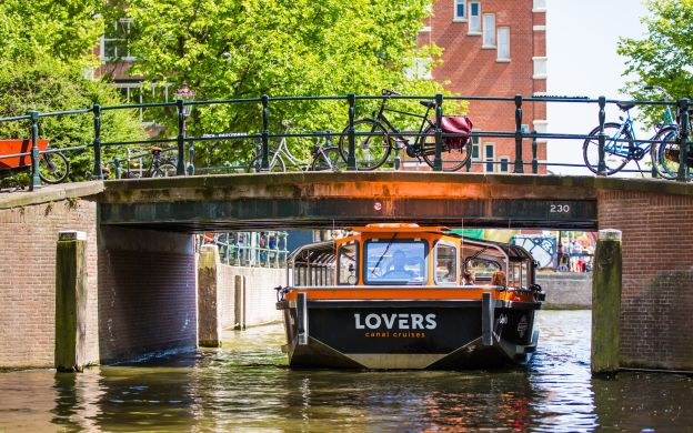 1 Hour Canal Cruise, Amsterdam