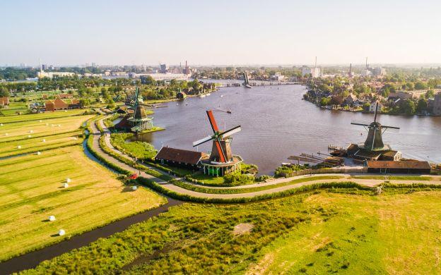 Marken, Volendam and Zaanse Schans from Amsterdam