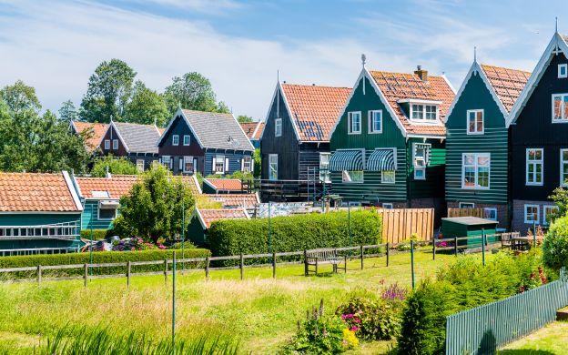 Keukenhof, Volendam, Marken & Windmills + FREE Canal Cruise