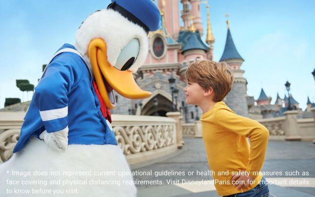 Disneyland® Paris Hopper Ticket: 3-day, 2 Parks