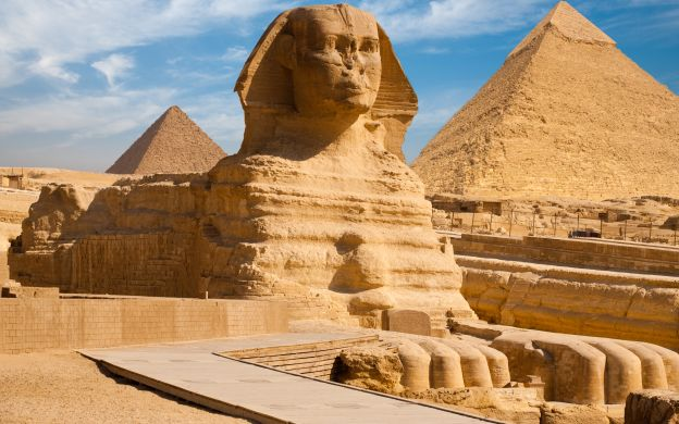 Egyptian Museum and Pyramids of Giza Tour