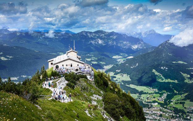 Salzburg Sightseeing Hop-On, Hop-Off with Eagle's Nest Tour