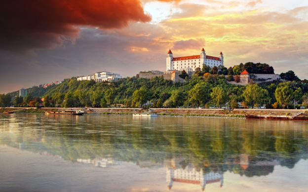 Bratislava Sightseeing and Danube River Cruise - Tour from Vienna