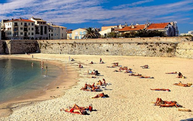 Cannes, Antibes and Juan-les-Pins Walking Tour – from Nice