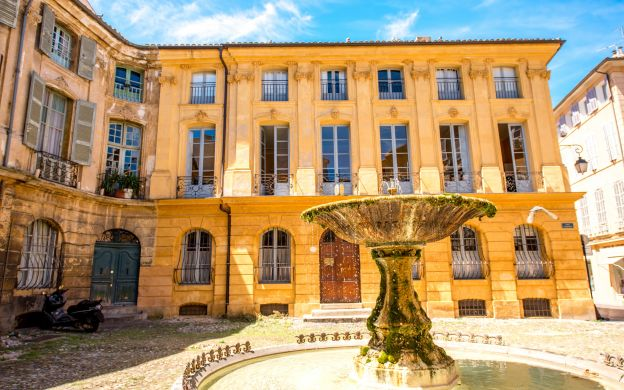 Aix en Provence Guided Tour with Cézanne Studio Visit - from Nice