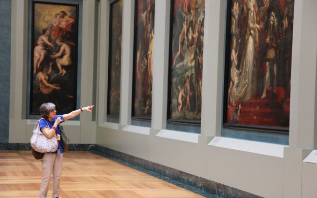 Skip-the-Line: Small Group Louvre Express Tour