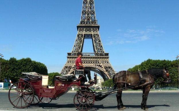 Romantic Horse and Carriage Tour, Paris
