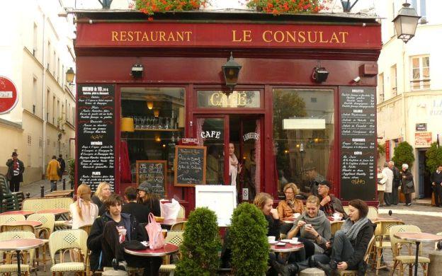 Wine Promenade in Montmartre, Paris
