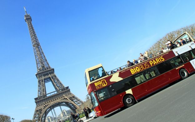 Big Bus Paris Hop-On, Hop-Off Tour, Seine River Cruise and Louvre Entry Ticket