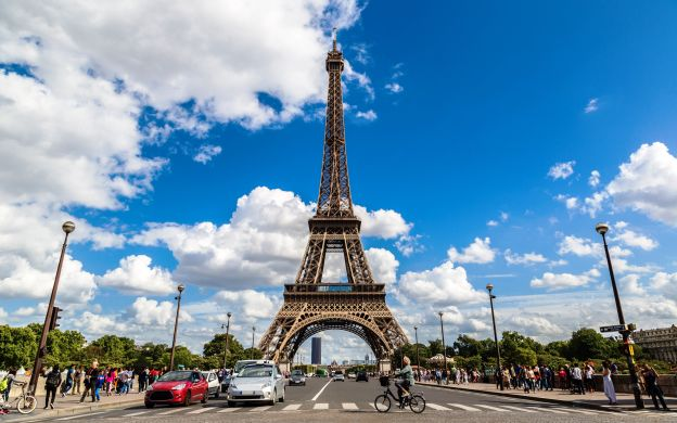 Eiffel Tower Summit: Skip-the-Line, Guided Tour