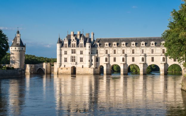 Chateaux of the Loire Valley - VIP Private Tour from Paris