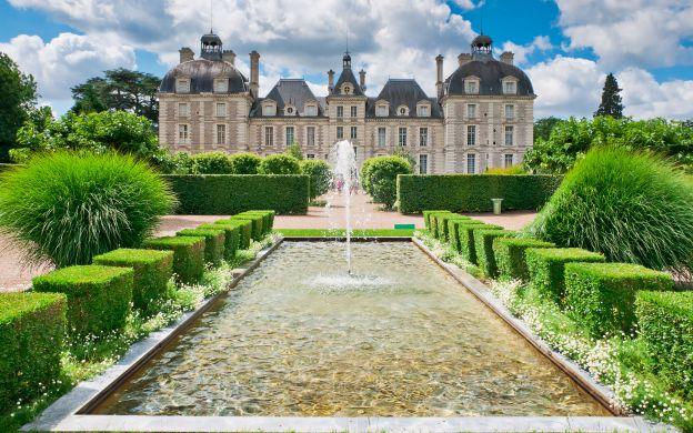 Loire Valley Castles - from Paris