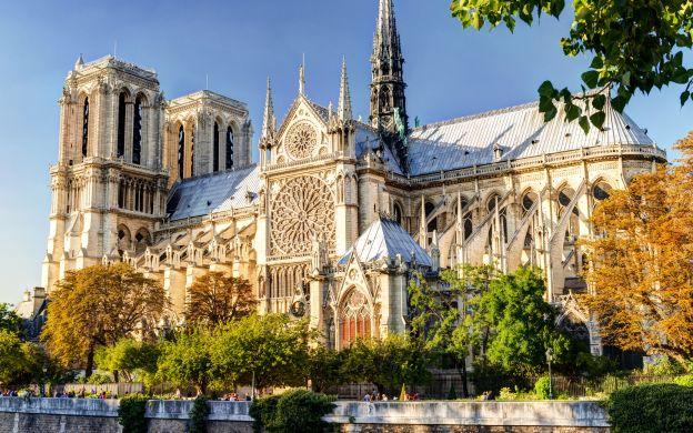 Notre Dame Island with Sainte Chapelle and Historic Medieval Paris Walking Tour