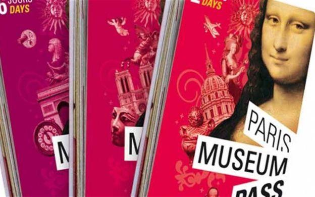 Big Bus Hop-On, Hop-Off Tour with 2-Day Paris Museum Pass