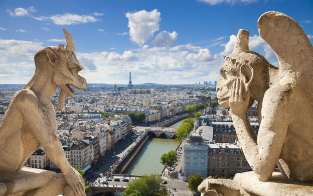 Luxury Paris Sightseeing Tour in a Private Car