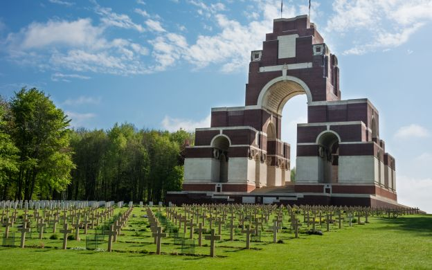Normandy D-Day Landing Beaches: VIP Private Tour – from Paris