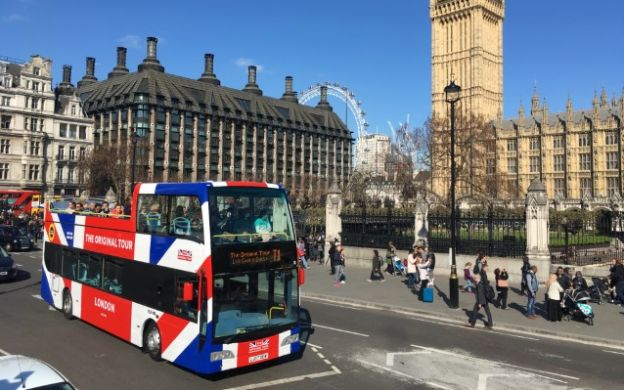 Paris and London Hop-On, Hop-Off Tour with FREE Thames Cruise