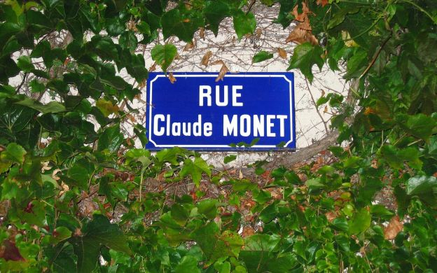Claude Monet's Garden in Giverny - Tour from Paris