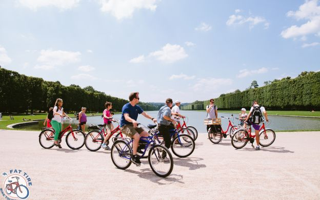 Versailles Palace Ticket: Bike Tour, Guide, Train transfer from Paris