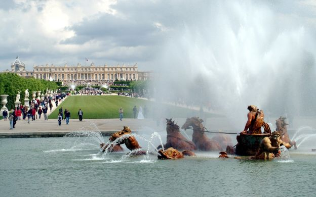 Versailles Palace and Trianon from Disneyland Paris: Skip-the-Line, Guide, Lunch