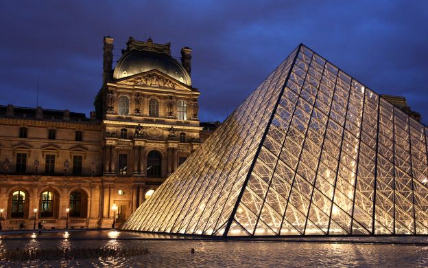 Louvre Night Tour: Skip the Line and Crowd, Guide, Wine Tasting, Small Group