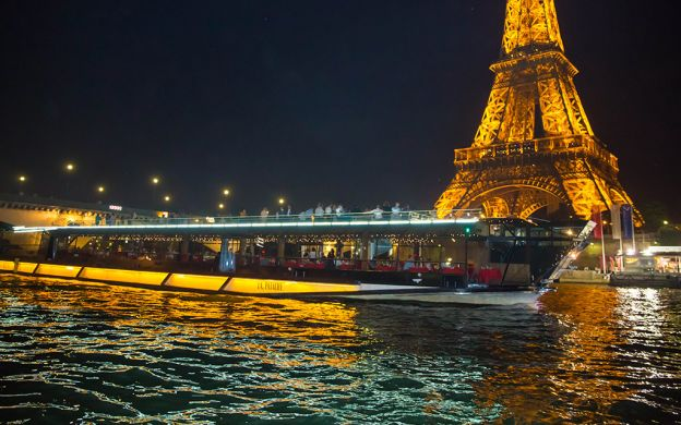 Sparkling Cruise along the Seine with Champagne