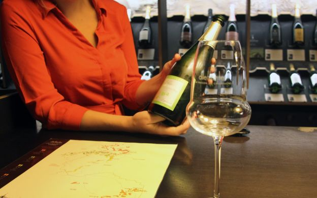 Add Some Sparkle: Champagne and Historical Walk tour