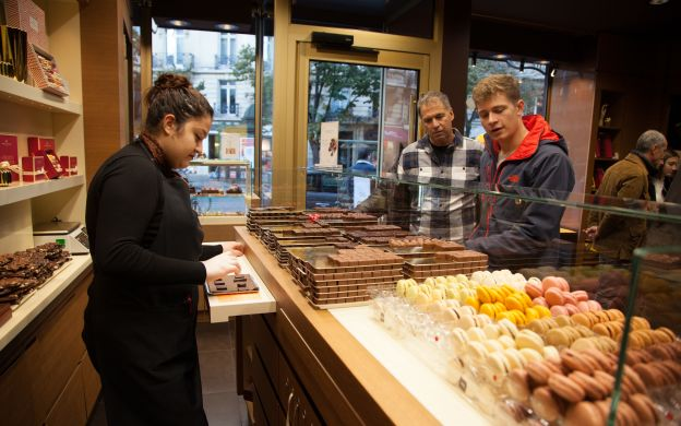 Tour a chocolate & pastry heaven in the heart of Paris
