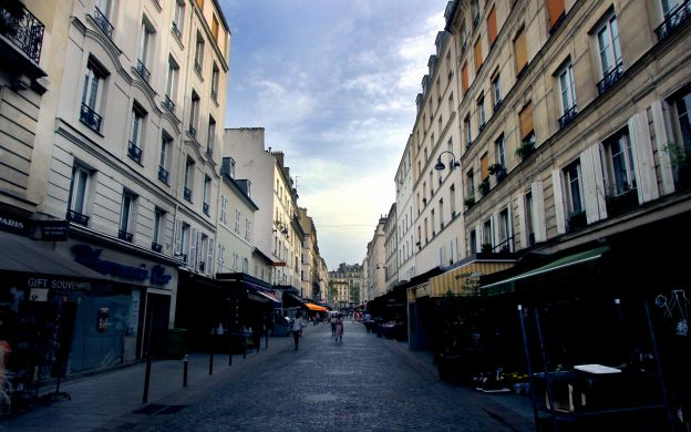 Under the Shadow of the Eiffel Tower – A Paris Gastronomic tour