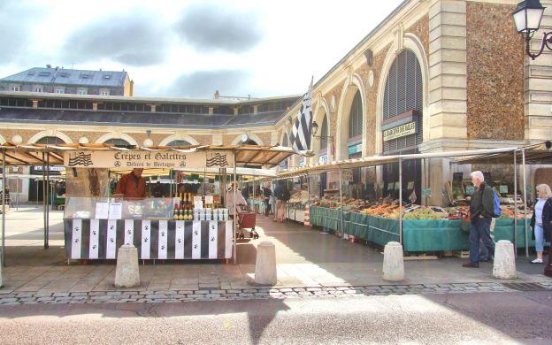 Searching for Gourmet Pleasures in Versailles