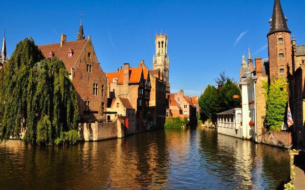 Bruges from Paris: Walking Tour, Guide, Coach Transfer