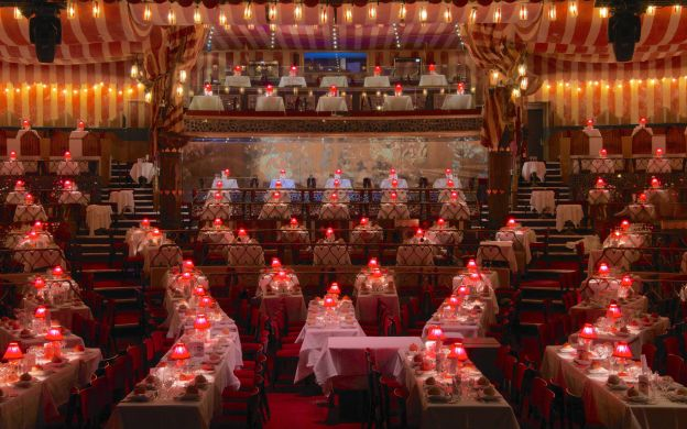 Moulin Rouge: Show, Champagne, Dinner and Hotel Transfers